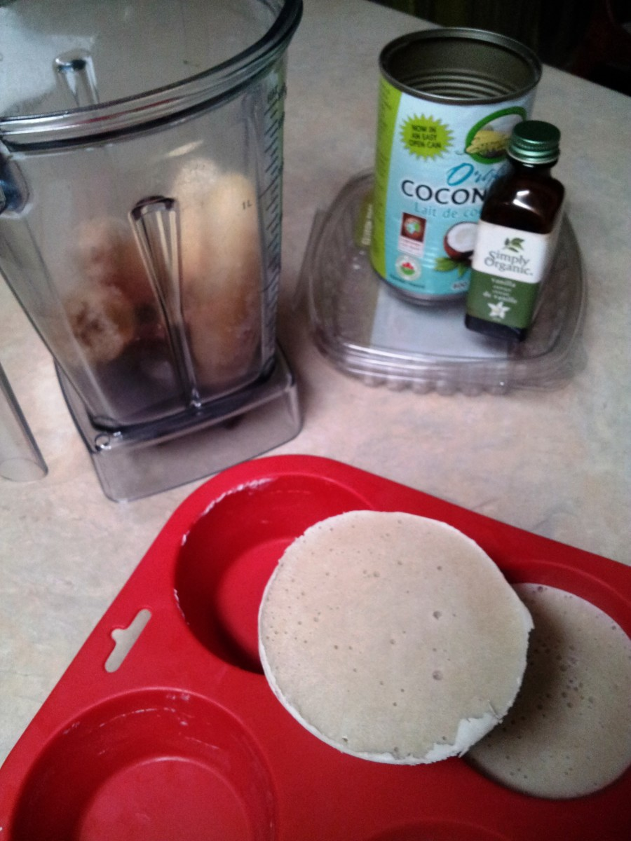 Putting it together: Vanilla Extract, Bananas, Banana-Coconut-Cashew Pucks...