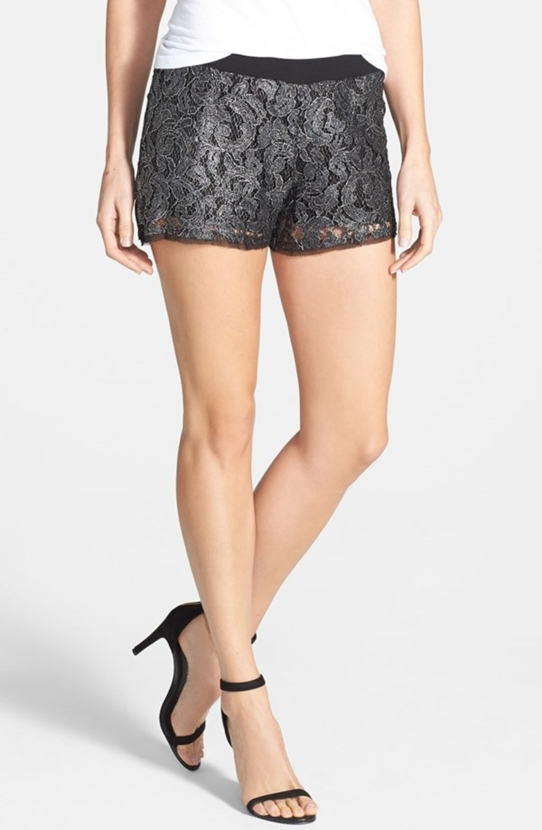 Dressy lacey shorts that you can wear to go out and dance bachata while looking appropriate and not under dressed