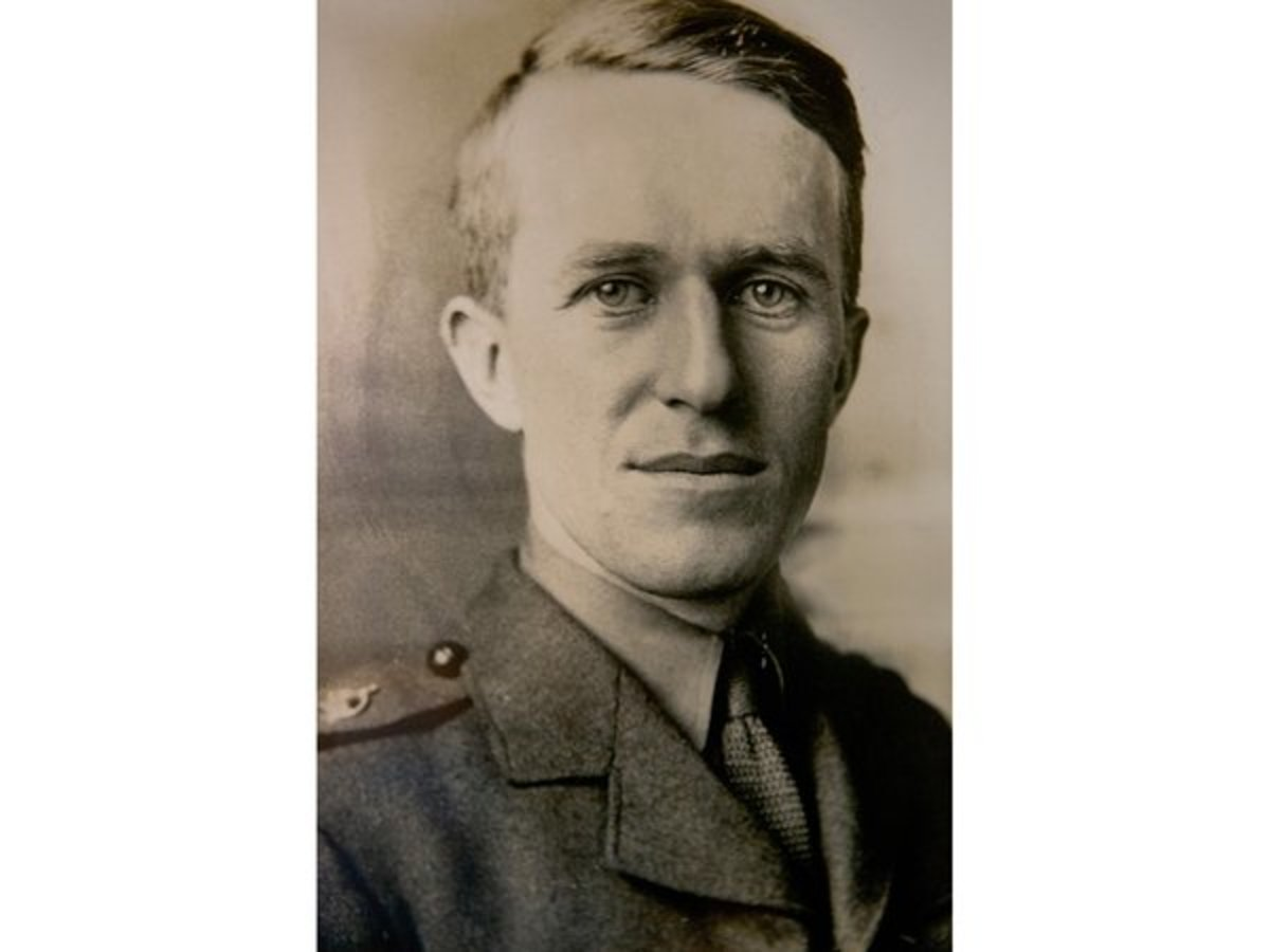 T.E. Lawrence in his British uniform 1914 when he served as an intelligence officer in Cairo, Egypt.