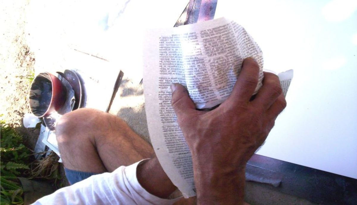 How to crinkle the newspaper