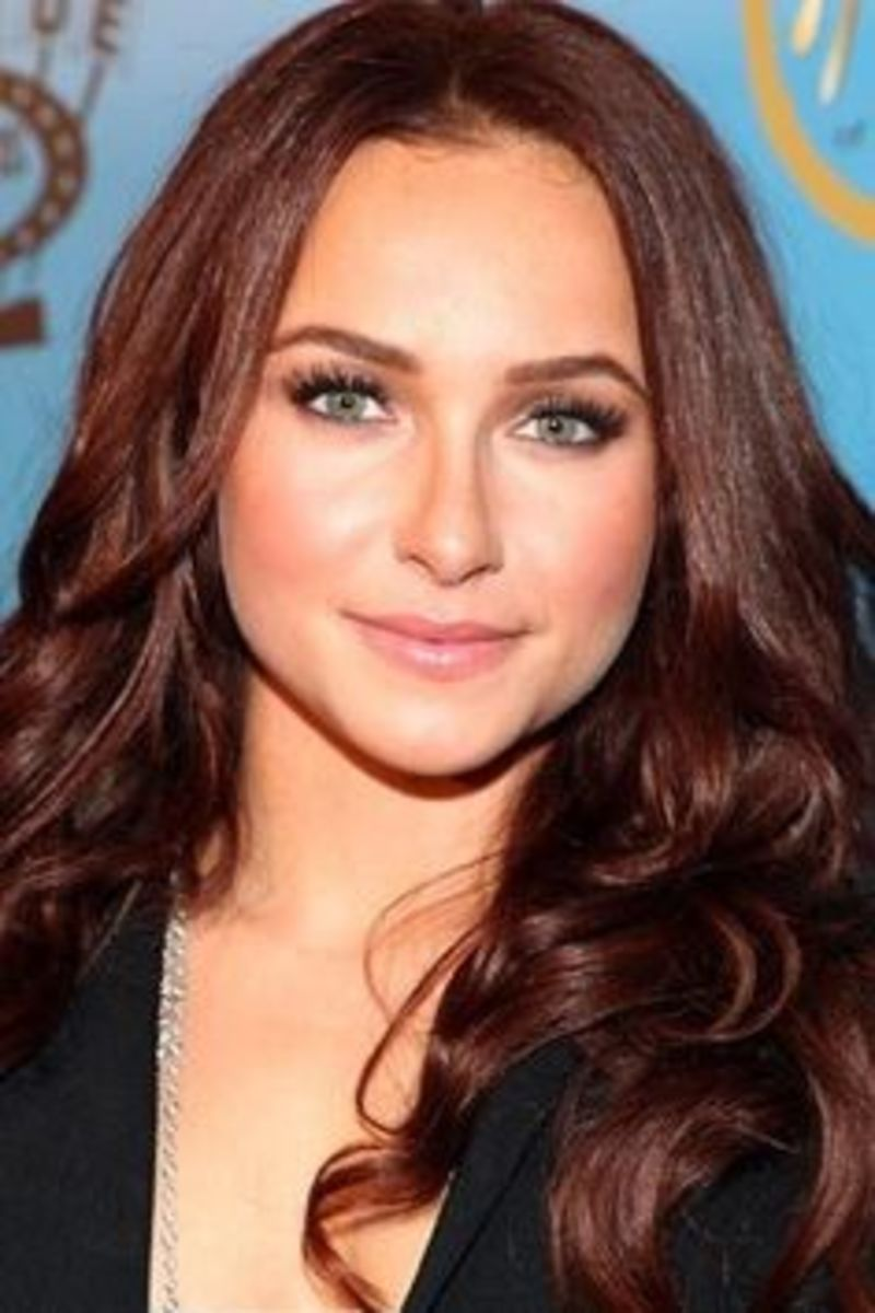 Hayden Panettiere recently traded in her blond locks for dark mahogany red hair