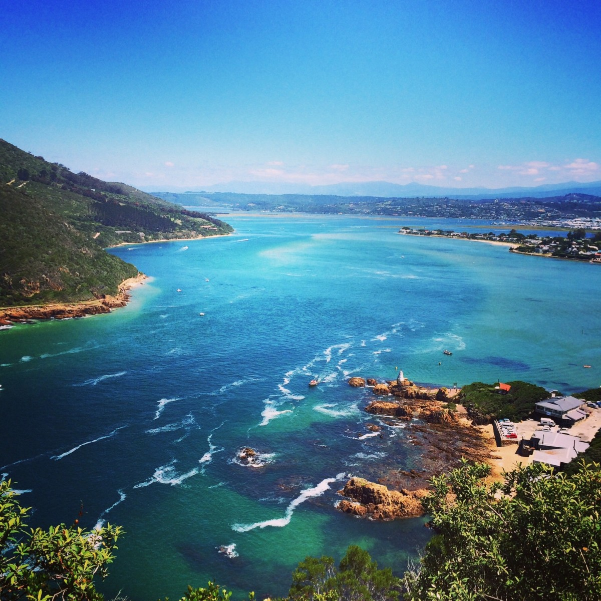 Looking down at the Knysna Lagoon from the viewpoint at The Heads