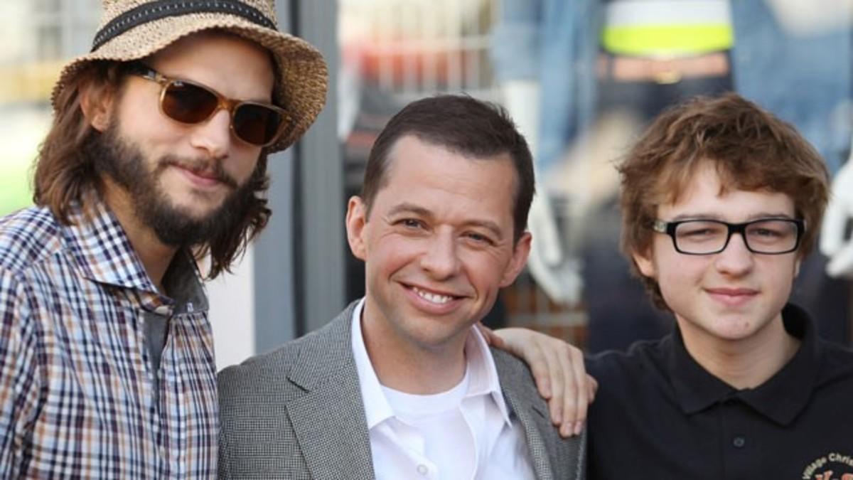 (From left), Ashton Kutcher, Jon Cryer, and Angus T. Jones