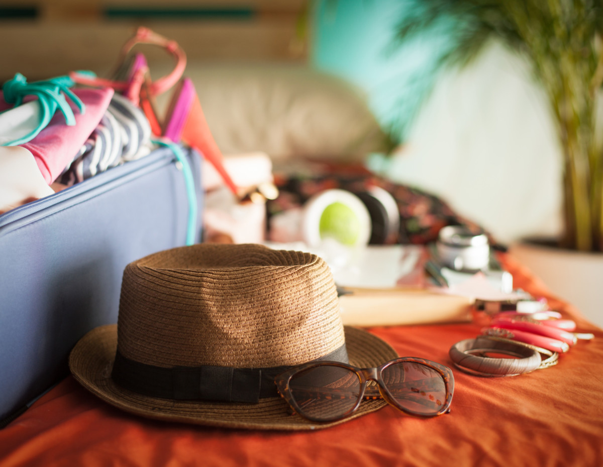 100 Things You Shouldn't Forget to Pack for your Next Trip