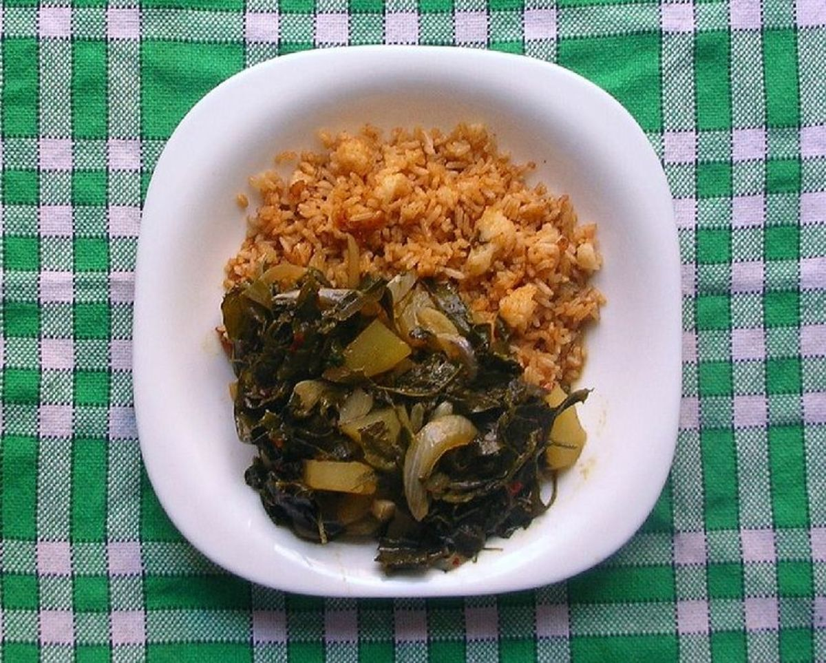 Rice and Chenopodium album leaf curry with onions and potatoes