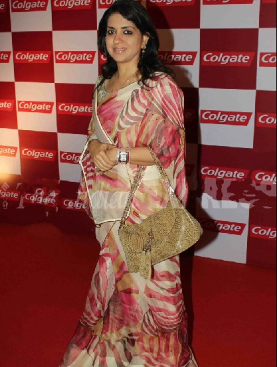 Saree with big bags do not go