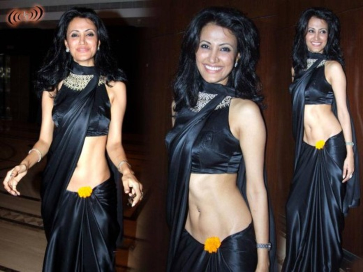 Wearing saree too low looks vulgar