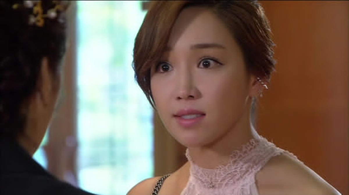 Lee Yoo-ri as Yeon Min-jung in Jang Bo-ri Is Here