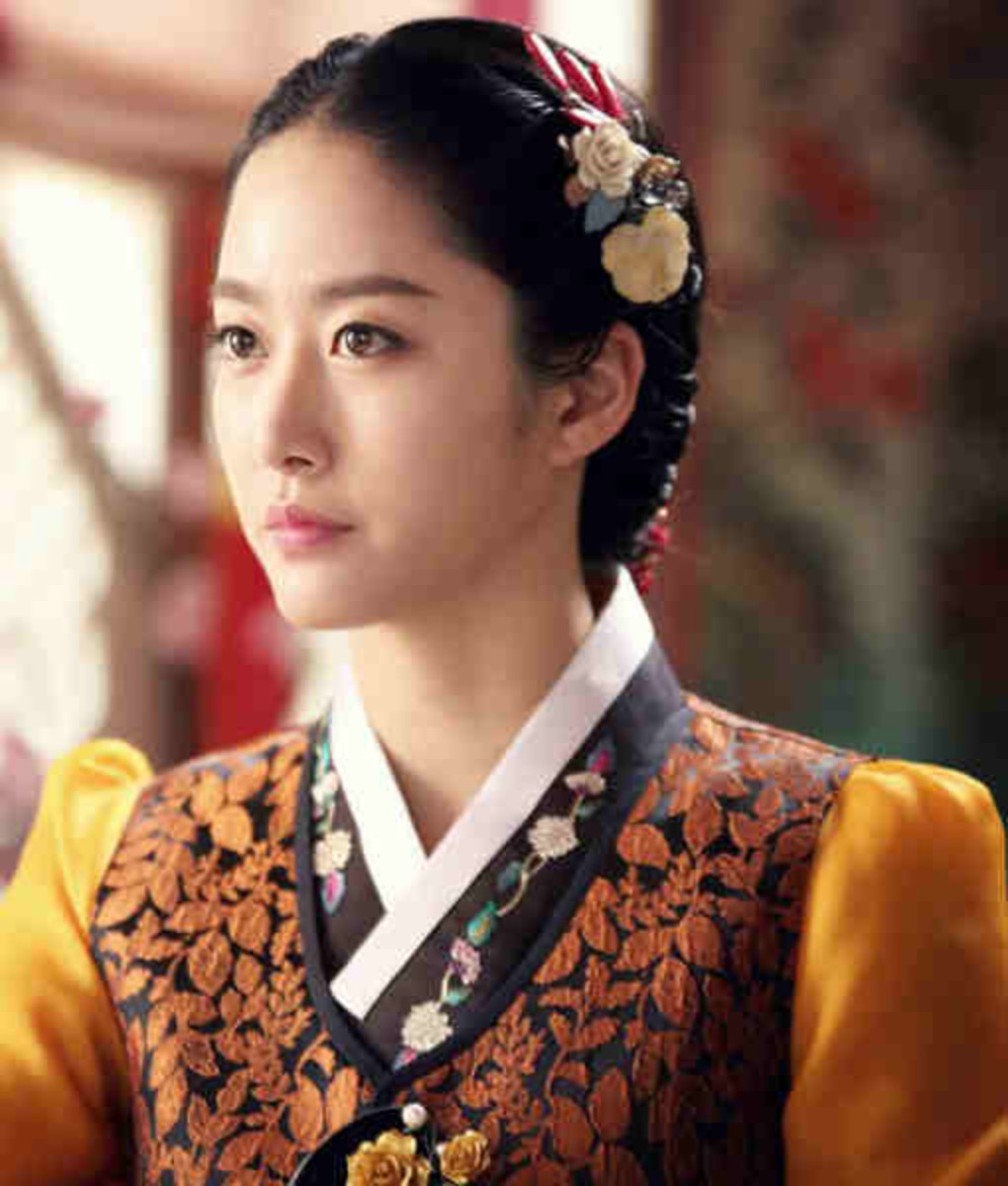 Jeon Hye-bin as Choi Hye-won in Gunman in Joseon