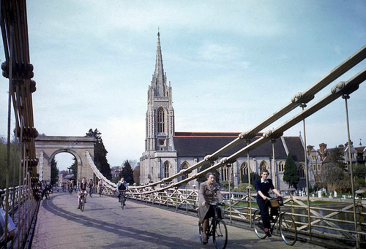 Marlow Buckinghamshire Marlow Bridge May 1944