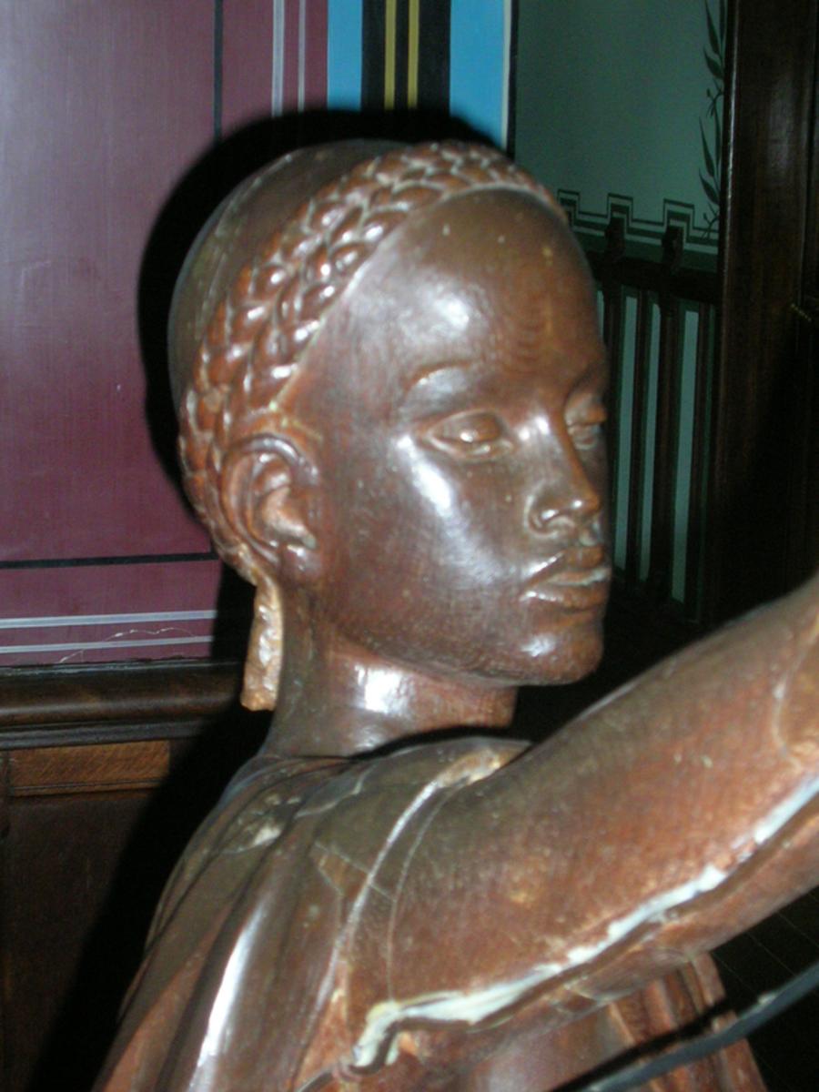 Statue of Abdullah in Abbadia castle, Hendaye (France)