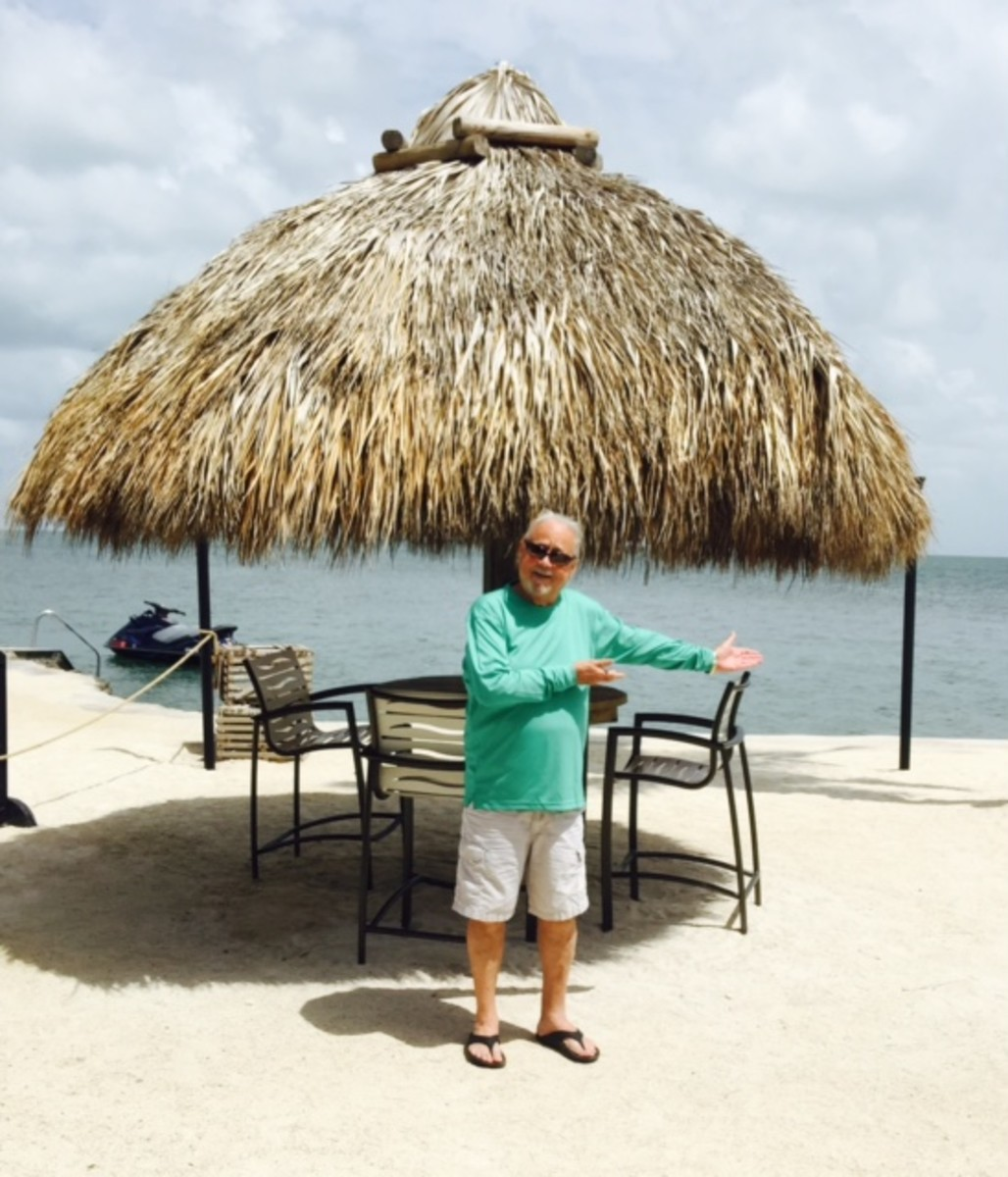 Probably the two most popular things that you can count on finding in the Keys are; Tiki Huts and Sunshine. Here I am showing my friends back home what to expect down here.