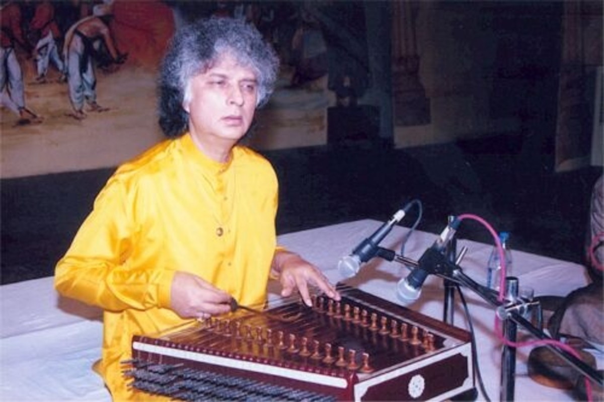 Indian Musical Instrument 'Santoor' : Artist Pandit Shiv Kumar Sharma
