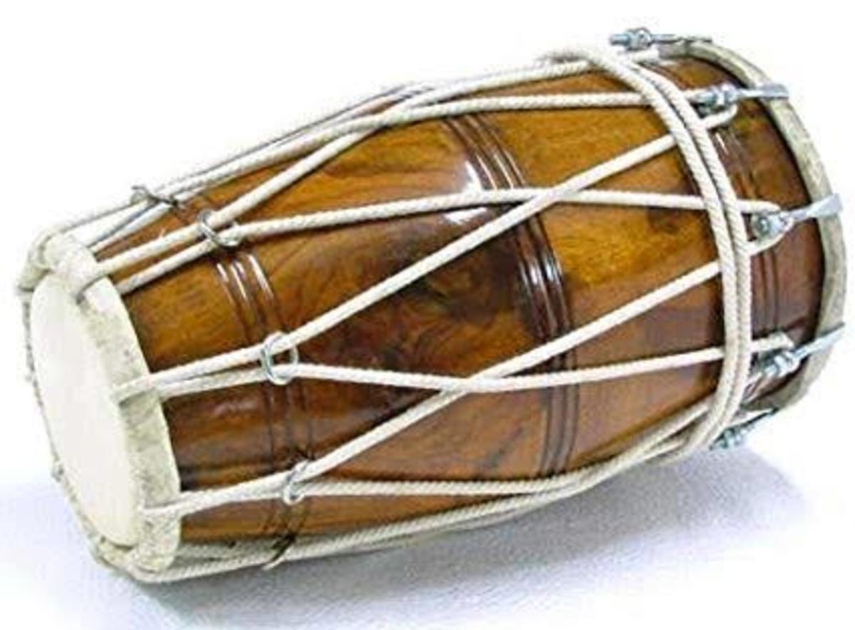 Indian musical instrument, The Traditional Dholak