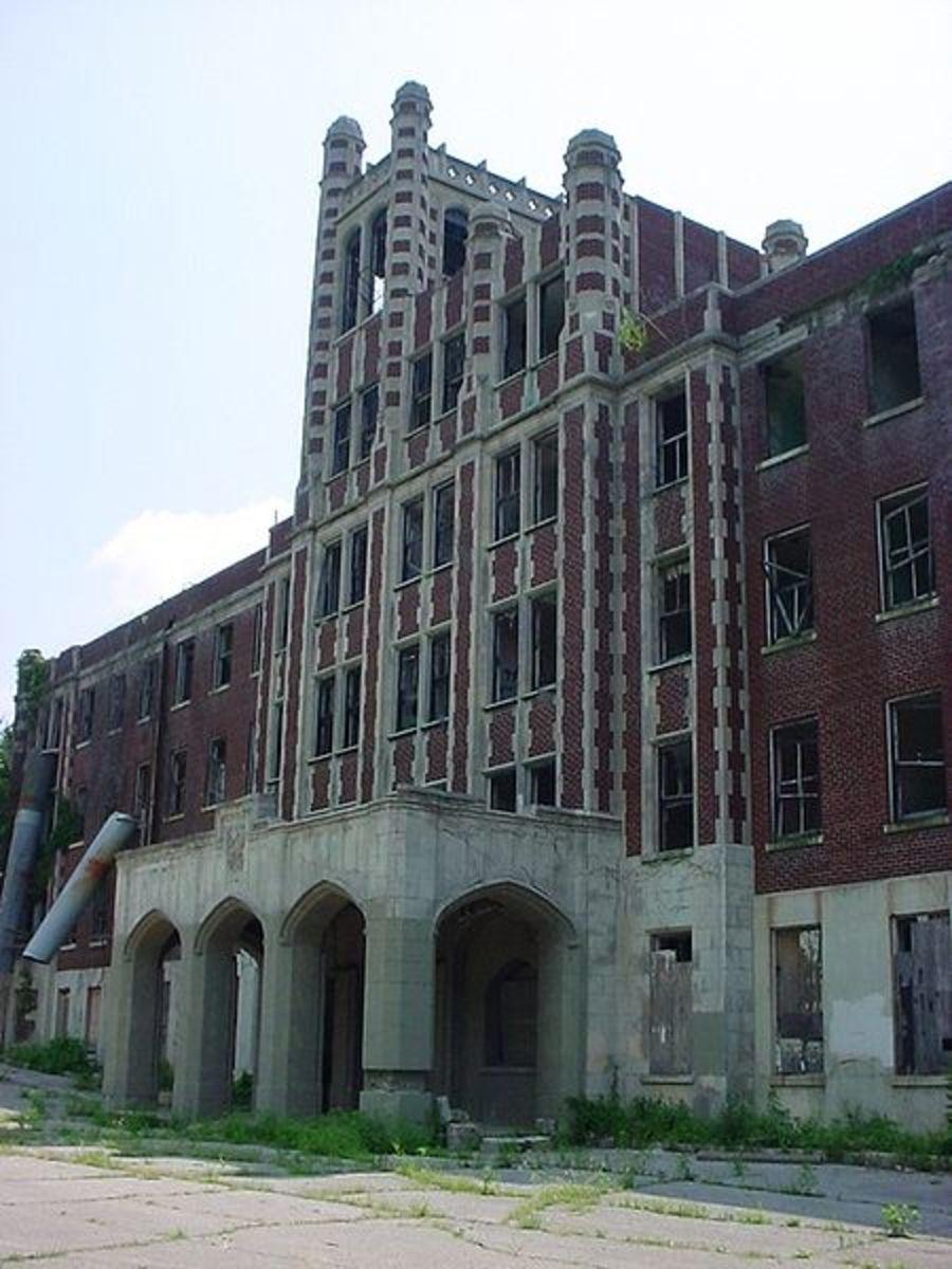ghost-hunting-at-waverly-hills-sanatarium