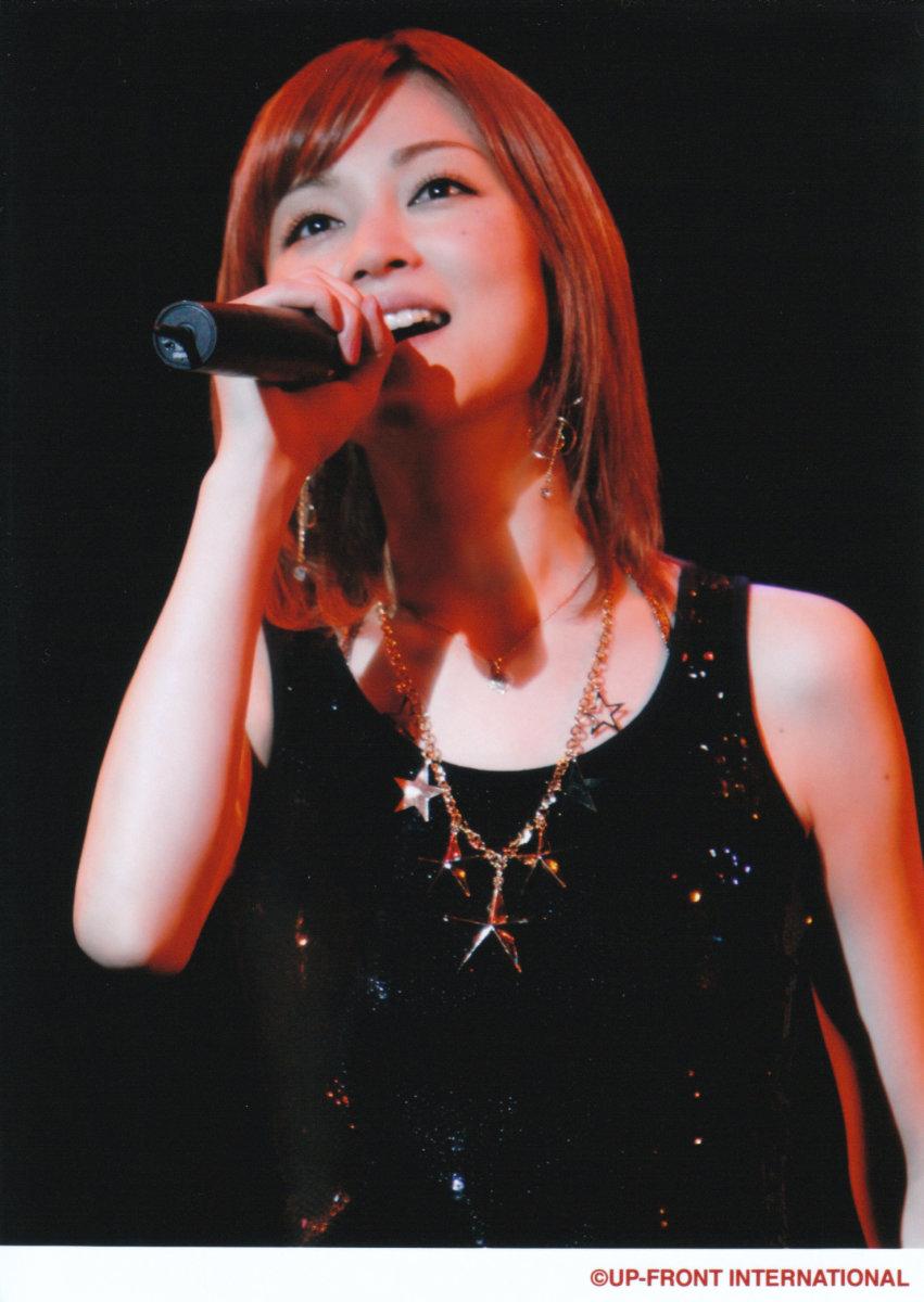 hitomi-yoshizawa-of-girl-group-morning-musume-has-now-fallen-in-love