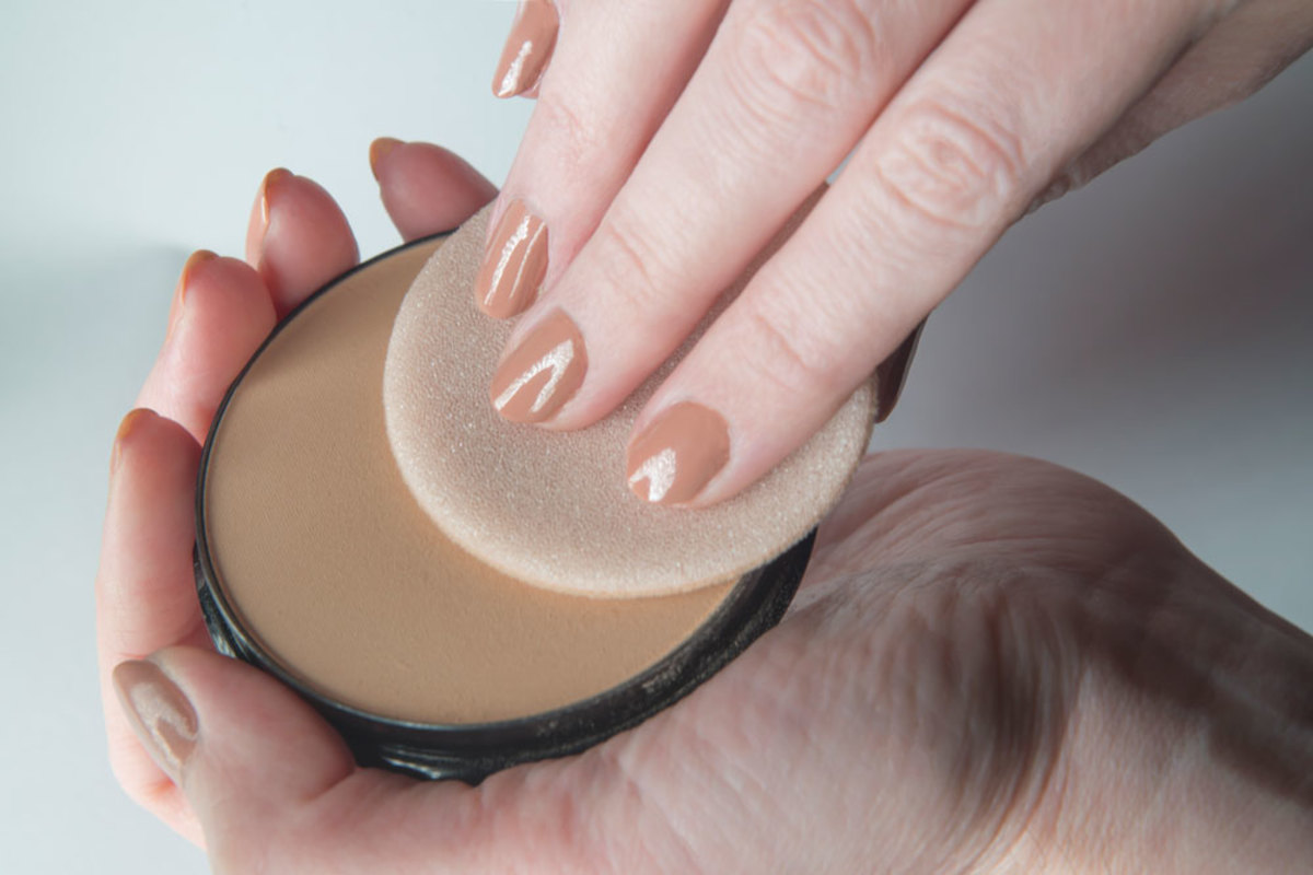 When lupus leaves you with lighter or darker scars on your skin, you might want to turn to a heavyweight concealer to cover-up the marks.