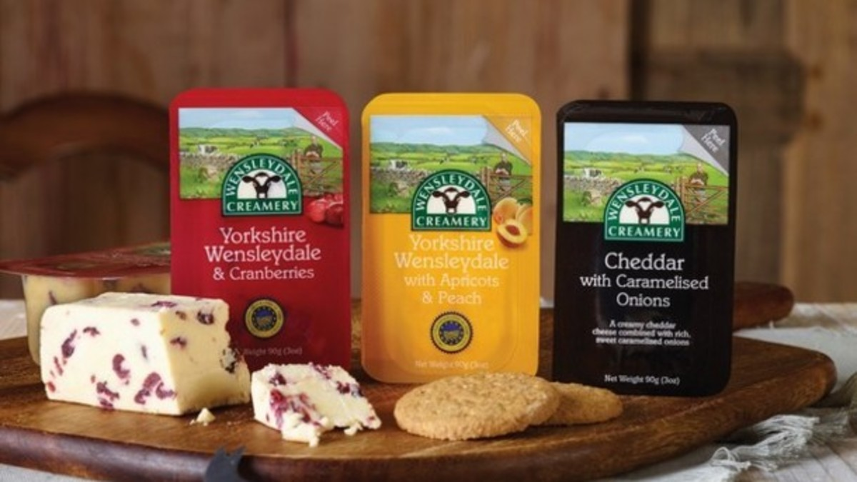 ...And for afters, a choice of genuine Hawes Wensleydale cheeses with tea or coffee and crisp, buttered savoury crackers (got you hurtling off to the fridge, have I? Come over and take your fill!