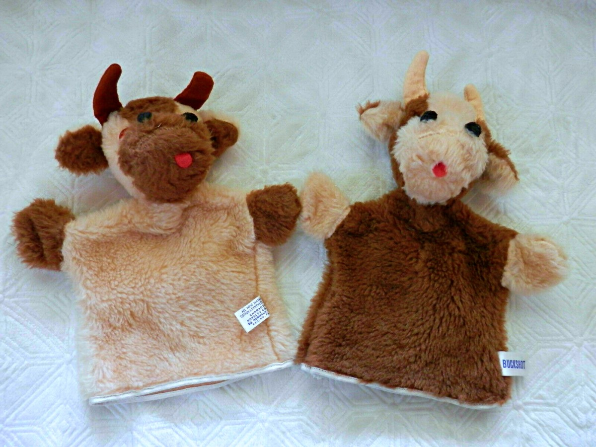 Cow Hand Puppets - Boots and Buckshot Character Novelty Co. from the late 1970s or early 1980s