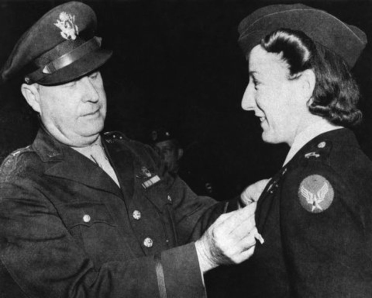 Nancy Wake being awarded a medal