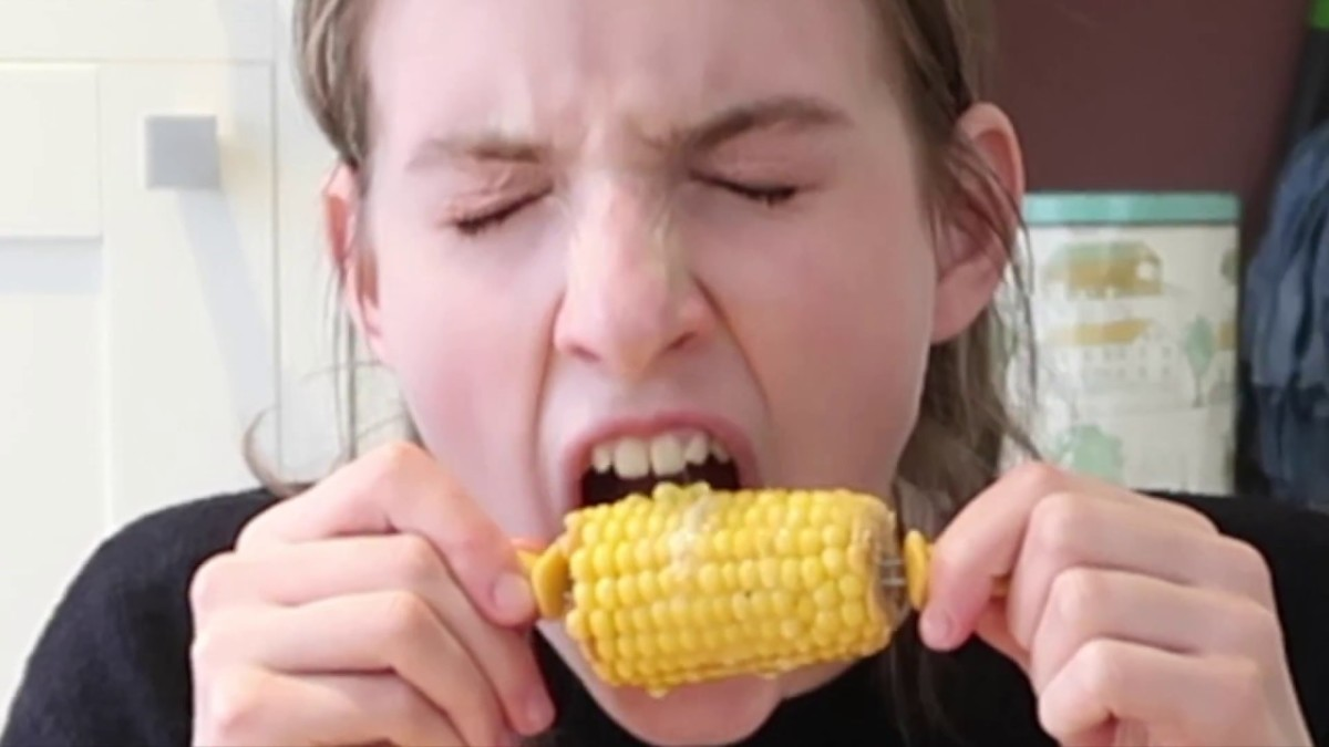 How to eat corn on the cob