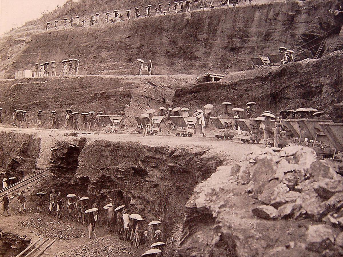 Open pit coal mines at Hongay
