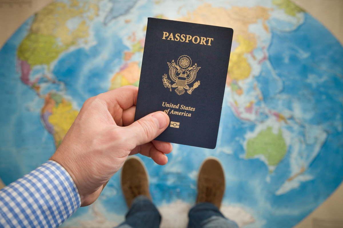 10-tips-for-international-traveling