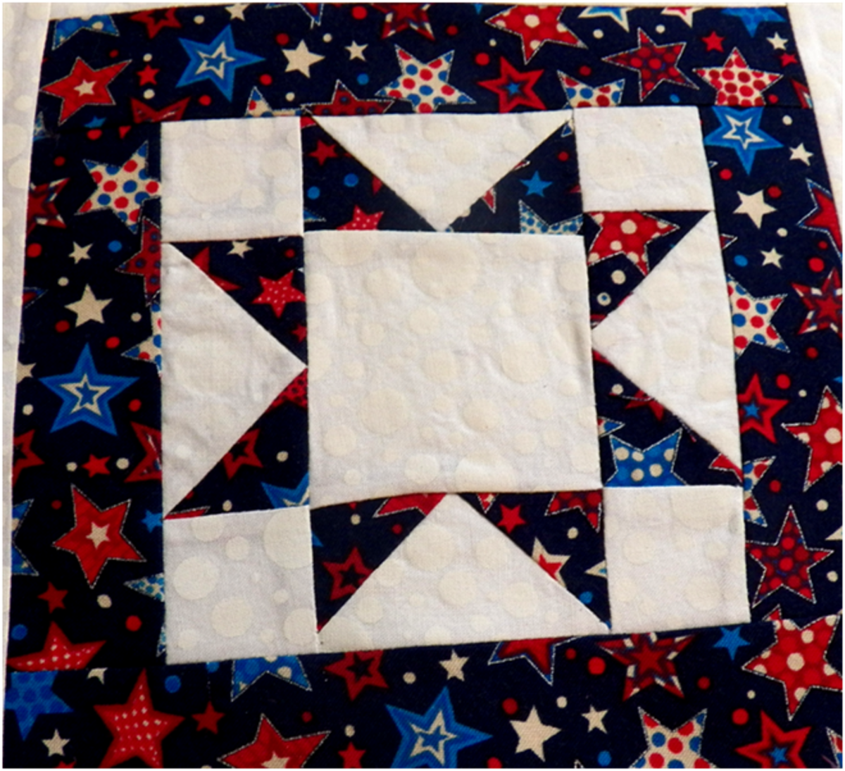 Impressive north star pattern quilt/