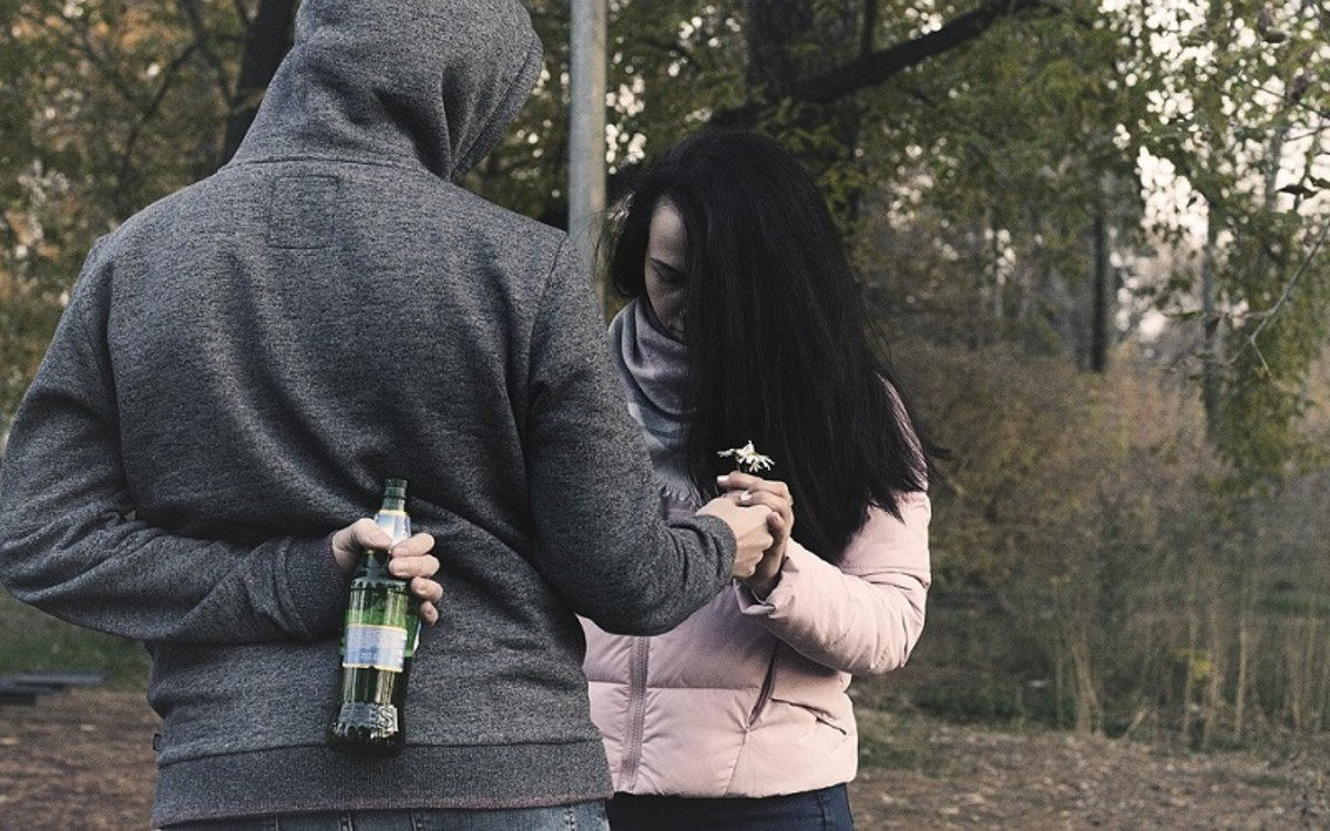 10-warning-signs-of-gaslighting-in-a-relationship-you-may-not-be-aware-of