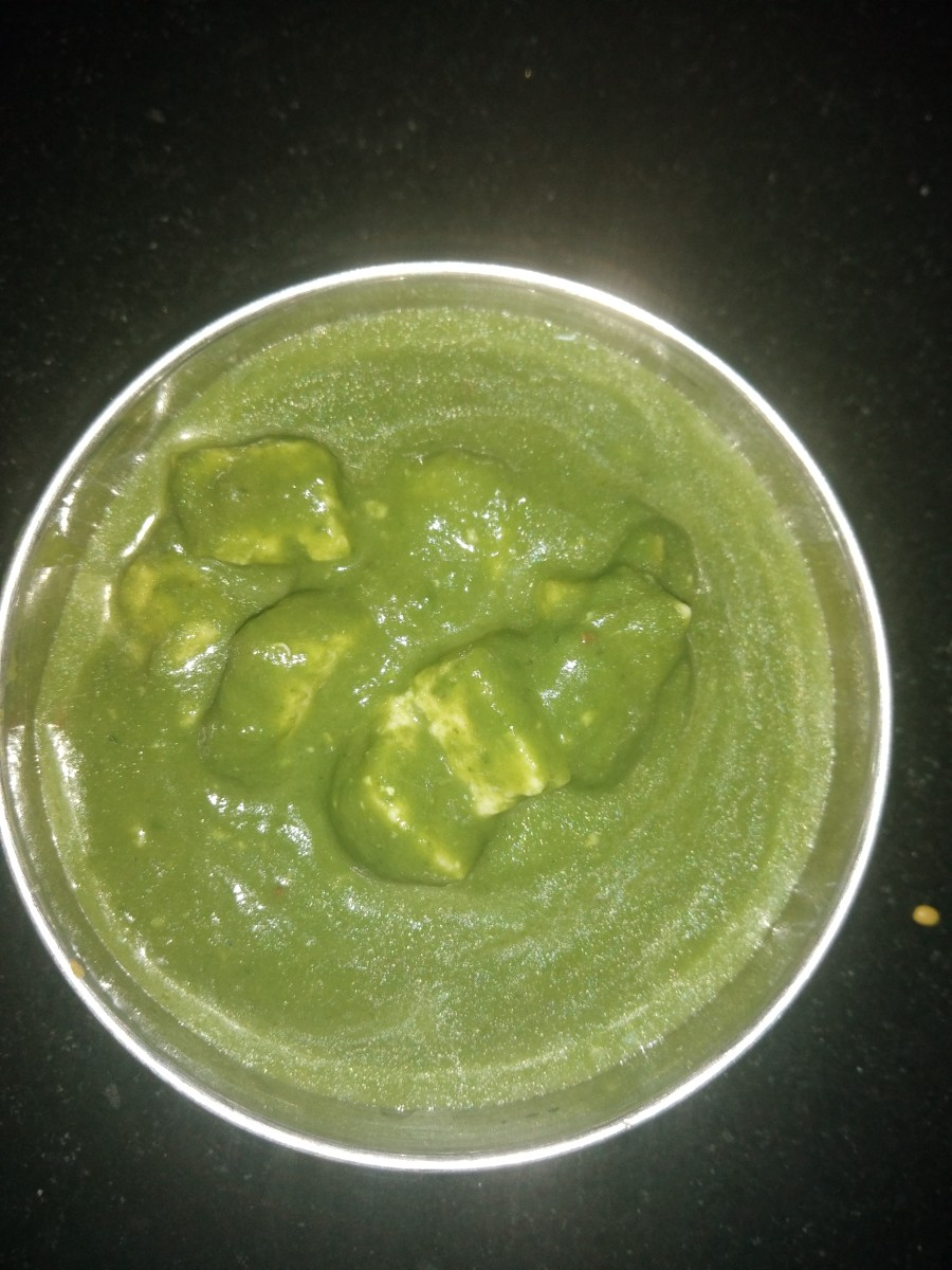 Tasty palak paneer is ready to eat.