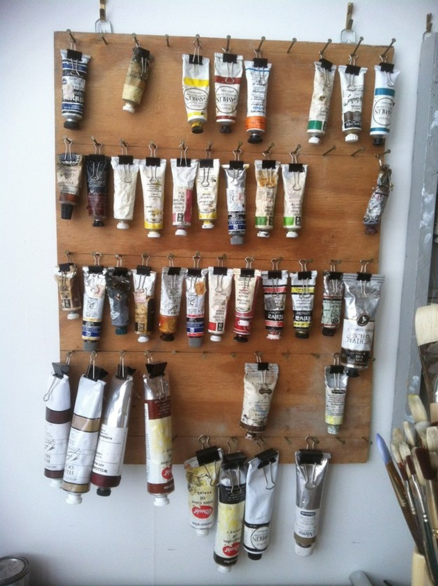 Simple but effective ideas to hang paints