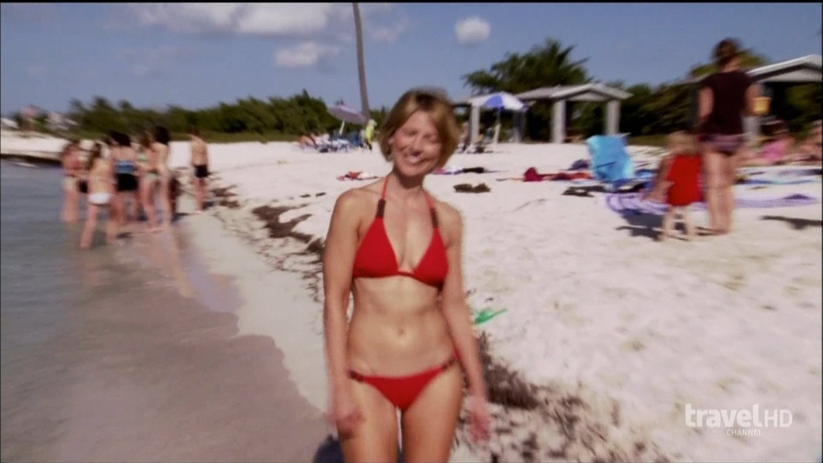 Hottest Samantha Brown Bikini Pictures