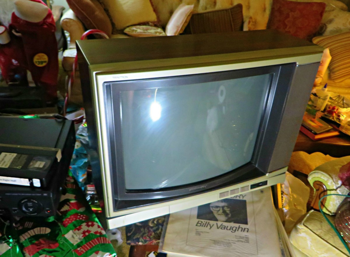 I had just brought her in from the shed and cleaned her off with a Clorox wipe, she is shinny and bright once I got all the bug droppings off her cabinet.   Sony Trinitron Color Television, Model KV-1926RA