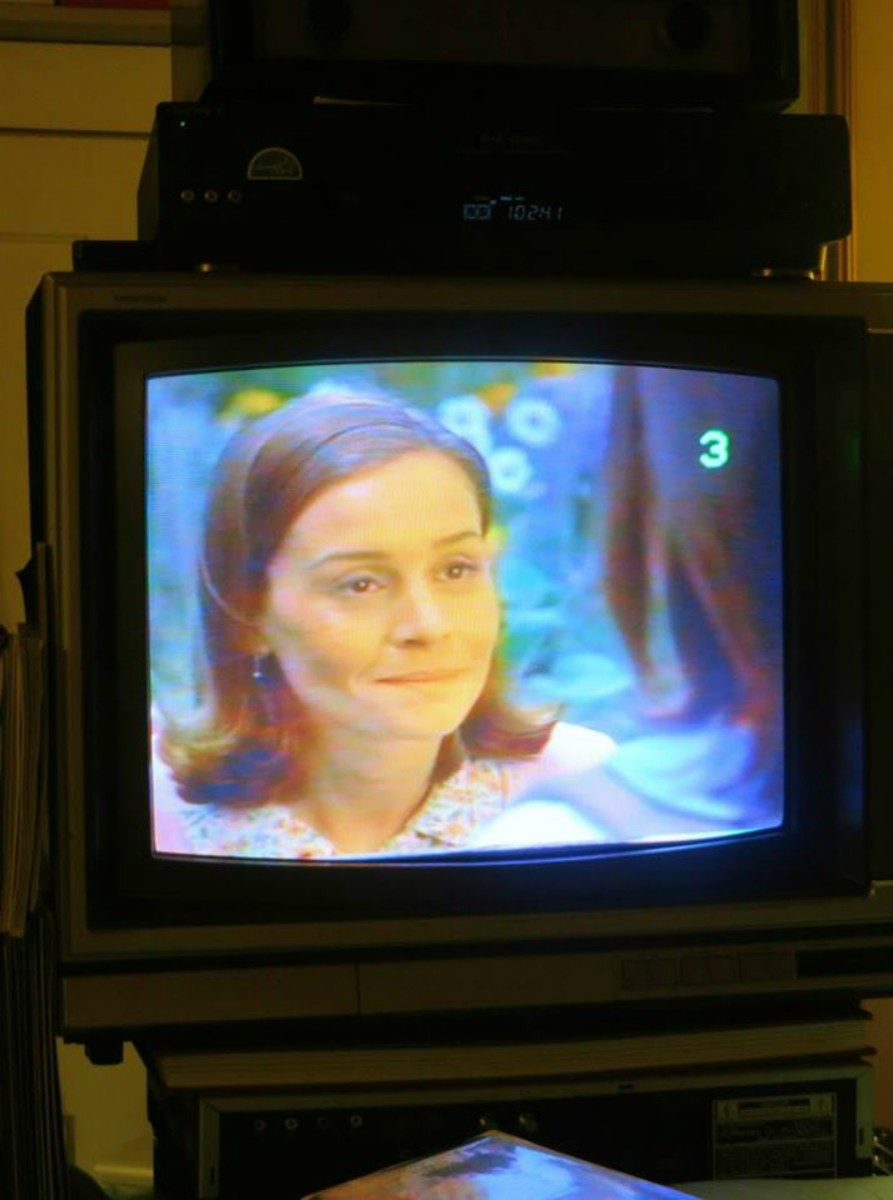 I think even Miss. Honey is glad to be playing on the Sony Trinitron Color Television, Model KV-1926RA. I believe it will be a long time before this Sony is going anywhere outside the bedroom.  I forgot how fun it is to watch VHS tapes in your bed.