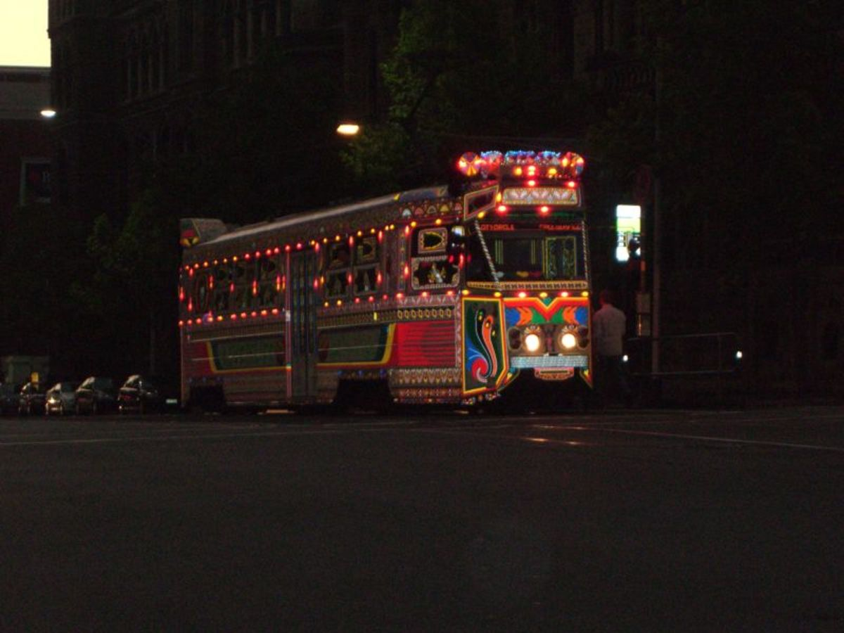 The Karachi to Melbourne Tram, decorated by Pakistani truck artists, during the 2006 Commonwealth Games (https://en.wikipedia.org/wiki/Truck art in South Asia)
