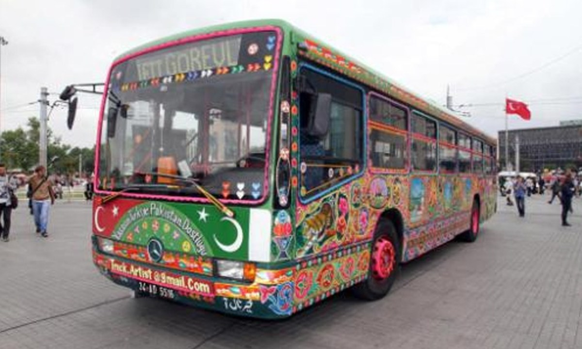 Turkish Municipal Bus shows the Pak-Turkey ties
