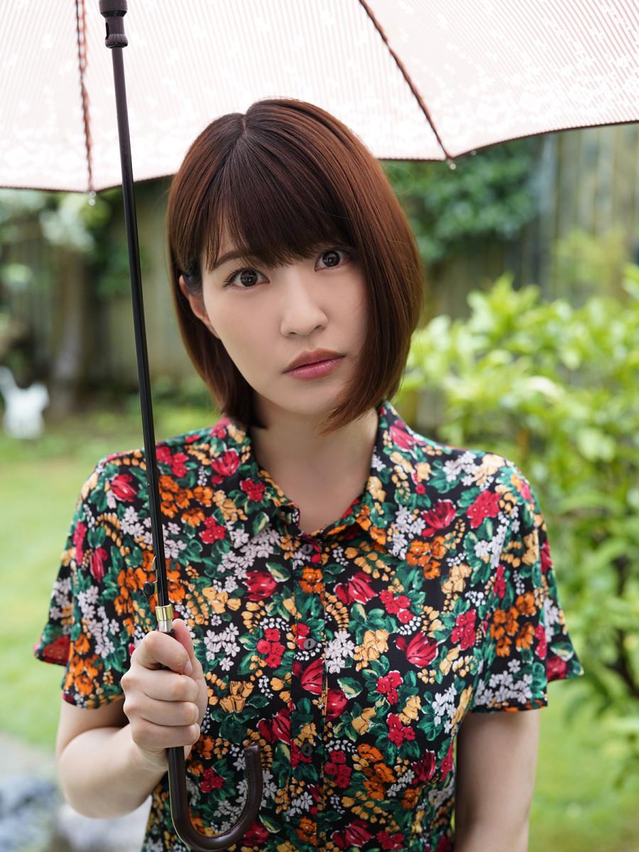 A Look At the Lives & Careers of Fashion Models Asuka Kishi & Ai Shinozaki