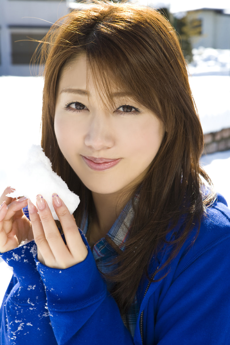 Beautiful Japanese Actresses Megumi Yasu & Yukie Kawamura