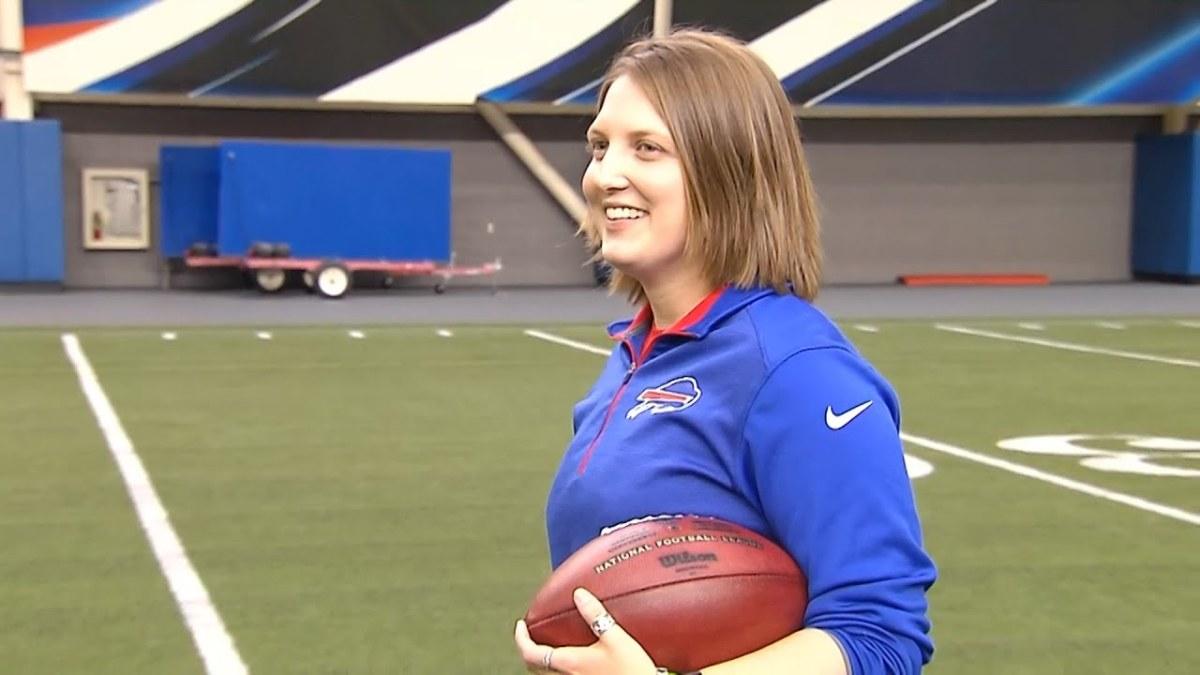 KATHRYN SMITH - First Female  NFL Coach