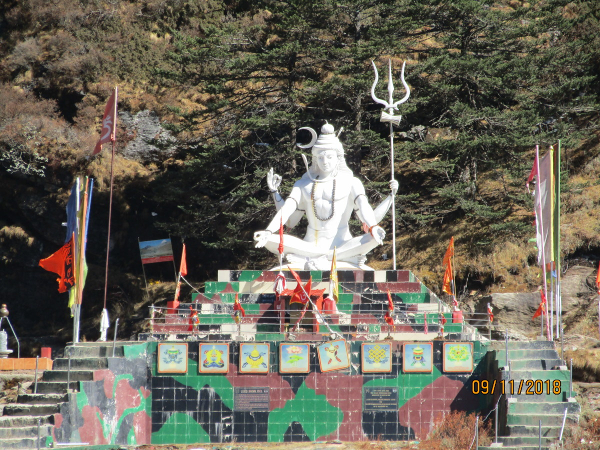 The view of Lord Shiva in sitting position from New Baba Mandir