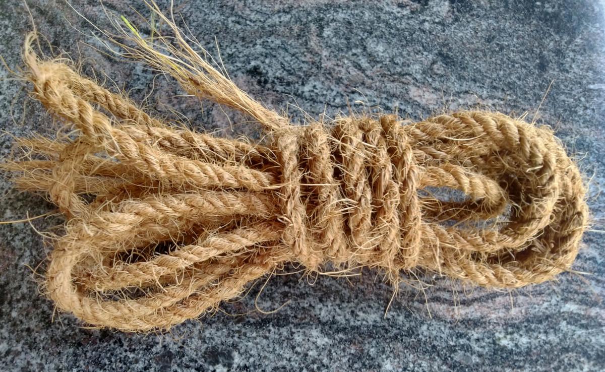 Coir rope from coconut husk fiber