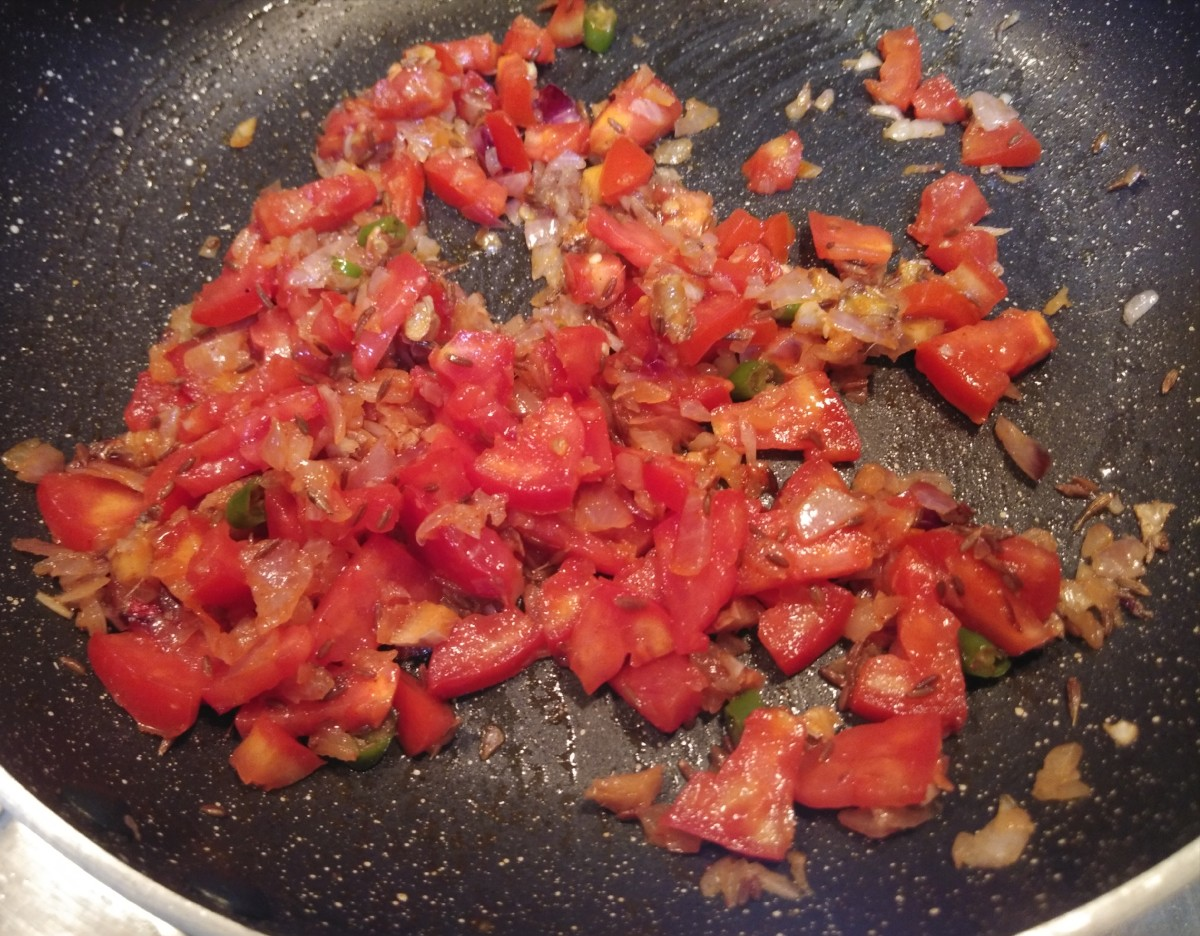 Mix and fry for 1-2 minutes.
