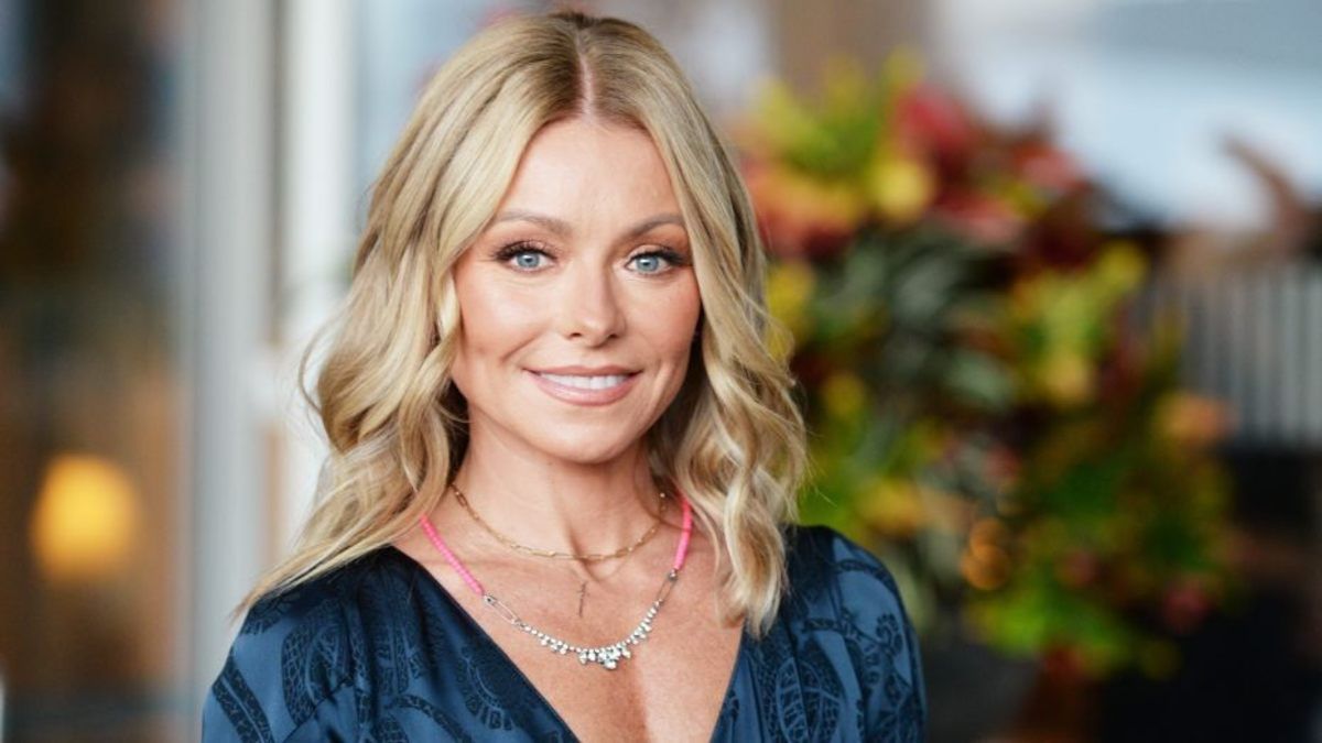 TV Show Host, Kelly Ripa, turns 50 in 2020