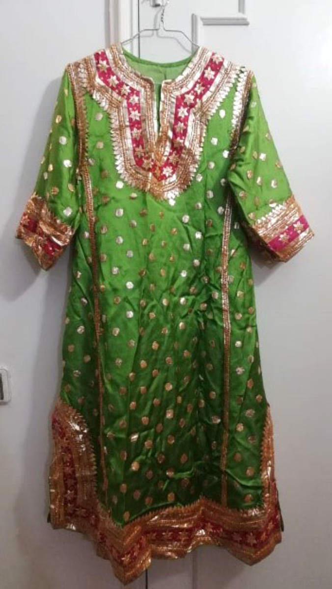 A Traditional Kashmiri Dress Pheran