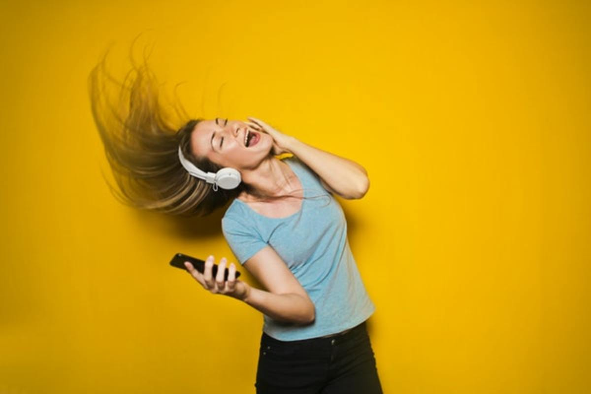 get-paid-to-listen-to-music-online