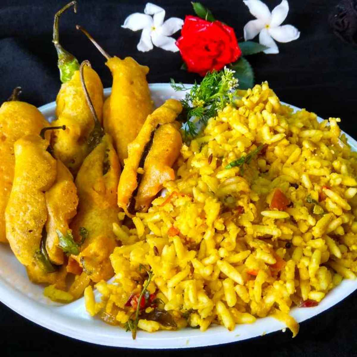 Uganni can be enjoyed more with hot and crispy Mirchi Bajji.