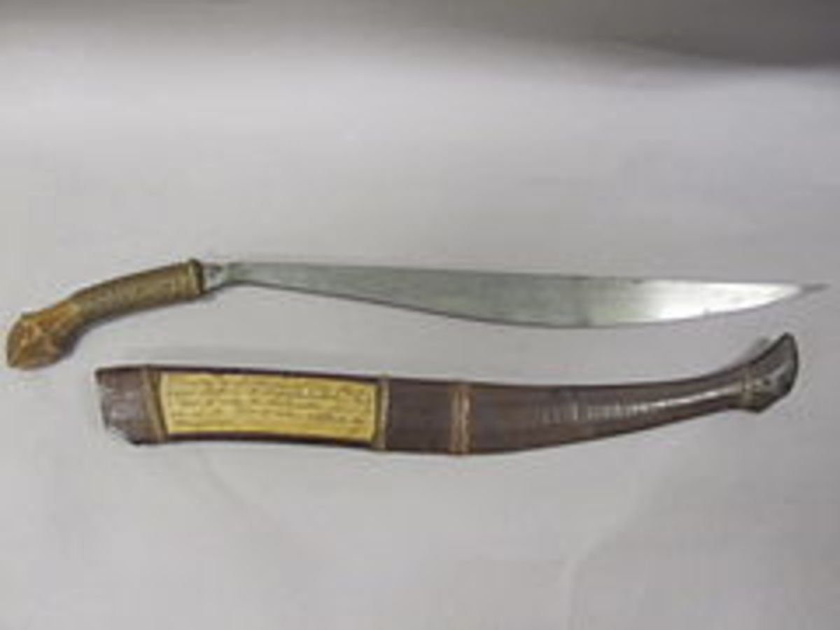The Bolo knife, presented to the USS Beneica Commander, Lewis A. Kimberly.