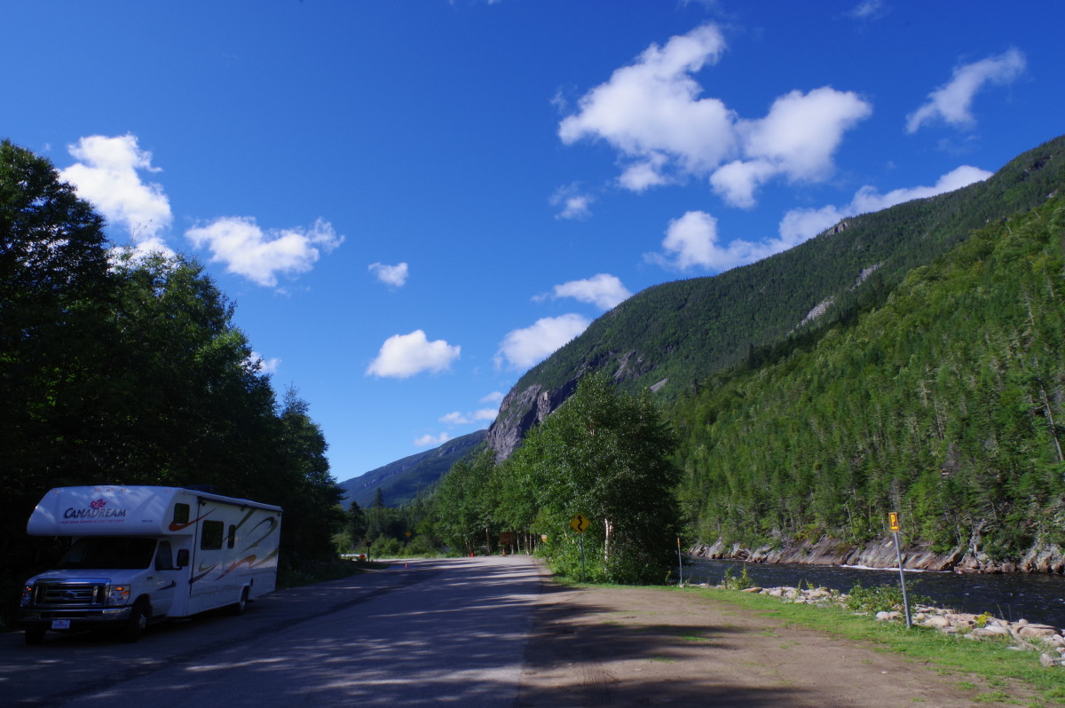 A very helpful Park Ranger at Parc national des Hautes-Gorges-de-la-Rivière-Malbaie guided us to park our RV at the roadside just before the crowded parking lot.