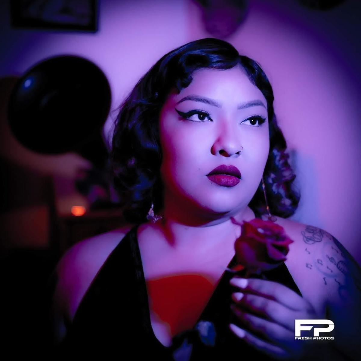 Elvia Cadena is the Latina R&B singer that has many music industry insiders taking notice of her songwriting skills and unique vocals.