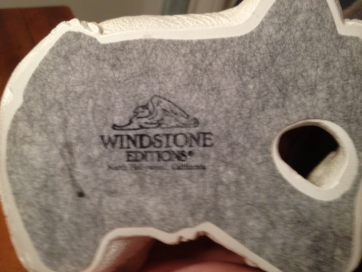 Official Windstone Editions logo attached to figurines